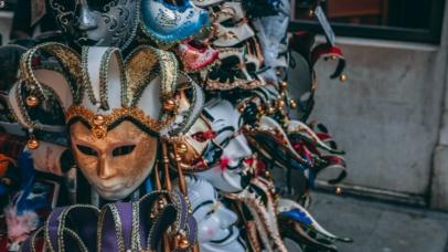 Rola maski w życiu społecznej